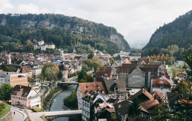 Feldkirch im Herbst, Blick auf Schattenburg, Plattform Kultur und Tourismus © Nik Skorpic null